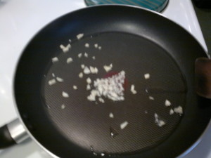 蒜香牛柳粒 12