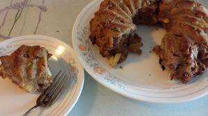 Apple Watnut Cake 18